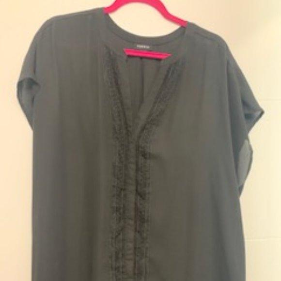 Torrid cap sleeve blouse